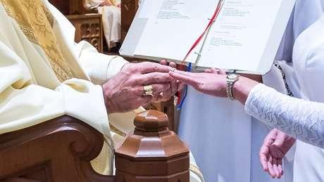 A aliança é um sinal da entrega a Jesus Cristo