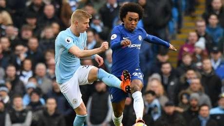 Chelsea e Manchester City fazem o clássico da rodada do Inglês (Foto: ANTHONY DEVLIN / AFP)