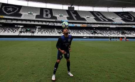 Matheus Fernandes começou a chamar a atenção na Libertadores de 2017 (Foto: Vítor Silva/SSPress/Botafogo)