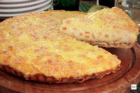 Quiche de lombo com creme de queijo