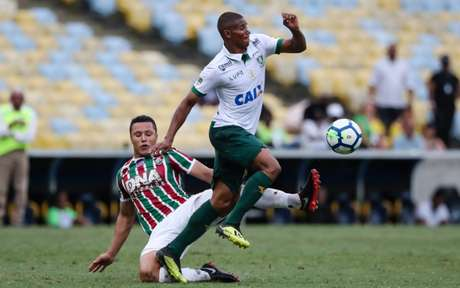 Marlon foi titular no Fluminense na última rodada do Brasileirão (Foto: LUCAS MERÇON / FLUMINENSE F.C.)