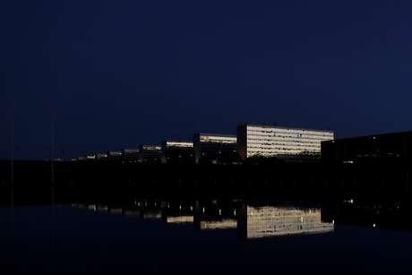 Vista noturna da Esplanada dos Ministérios, em Brasília