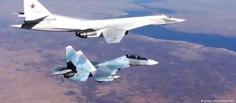 Em 2008,a Rússia também enviou aviões militares para a Venezuela durante a Guerra da Geórgia
