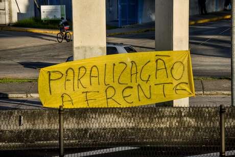 Caminhoneiros iniciaram novo protesto nesta segunda-feira (10)