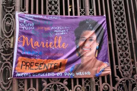 Cartaz em homenagem à vereadora no Rio de Janeiro