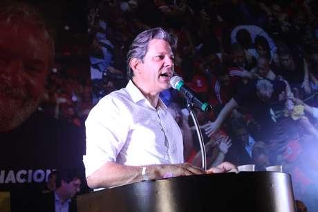 Fernando Haddad durante ato pela liberdade do ex-presidente Luiz Inácio Lula da Silva