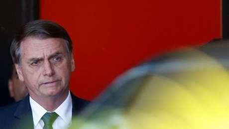 Bolsonaro não repassou à Receita Federal informações sobre o empréstimo de R$ 40 mil que disse ter concedido ao ex-assessor de seu filho