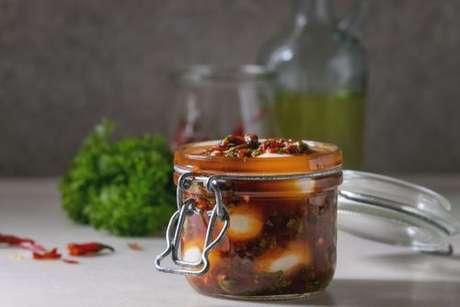 Use outros ingredientes como tomate e deixe sua conserva ainda mais gostosa