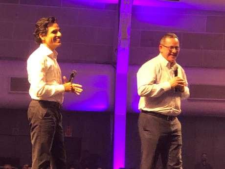 Christian Gebara e Eduardo Navarro em encontro de líderes da empresa, nesta quarta
