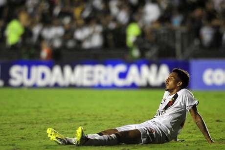 Após ser transferido da Copa Libertadores para a Copa Sul-Americana, o Vasco também não conseguiu ir longe na segunda competição: foi eliminado pela LDU Quito (EQU)