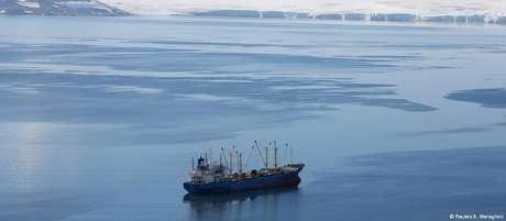 Novo navio de apoio antártico visa substituir o navio de apoio oceanográfico Ary Rongel nos trabalhos na Antártida