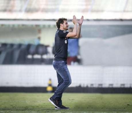 Elano pode assumir o sub-20 do Santos na próxima temporada, mas depende de acerto (Foto: Ivan Storti/Santos)