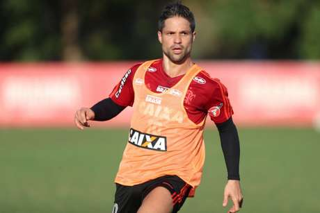 Diego seria trocado por Thiago Neves como sugeriu o agente doTN30 ao Cruzeiro-(Foto: Gilvan de Souza/Flamengo)