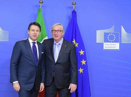 Giuseppe Conte e Jean-Claude Juncker antes de reunião em Bruxelas, na Bélgica