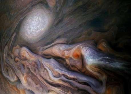 As dinâmicas da superfície podem revelar a estrutura profunda de Júpiter.