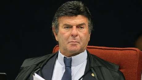 Fux decretou prisão de Battisti na quinta, mas o italiano ainda não foi localizado pela Polícia Federal
