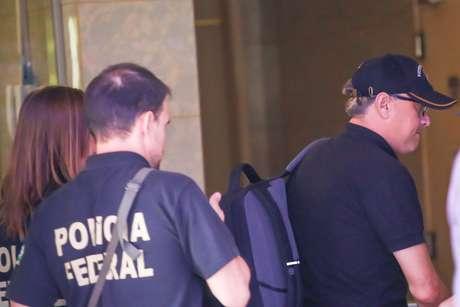 Ex-secretário de Governo de Mauá José Eduardo Gaspar chega à sede da Polícia Federal, em São Paulo (SP), após ser preso na manhã desta quinta-feira (13), durante a Operação Trato Feito