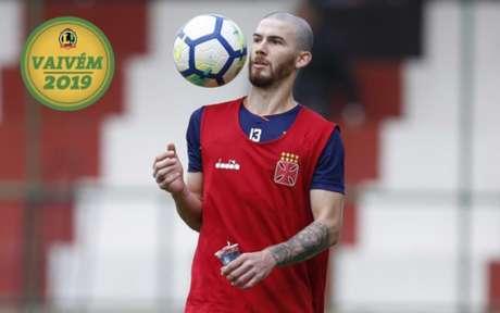 Luiz Gustavo tem situação travada para renovação de contrato e pode deixar o Vasco para 2019. Veja a galeria LANCE!