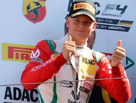 Wolff: Importante dar tempo para Mick Schumacher se desenvolver