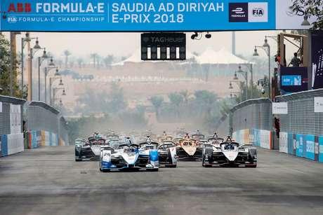 VÍDEO: Melhores momentos do ePrix de Al-Diriyah, 1ª etapa da Fórmula E 2018/2019