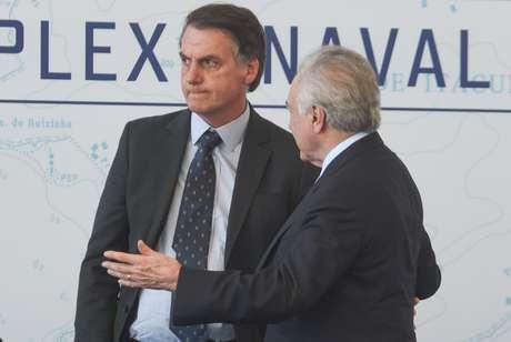 O presidente da República Michel Temer (MDB) e o presidente eleito Jair Bolsonaro (PSL) durante a cerimônia de batismo e lançamento ao mar do Submarino Riachuelo