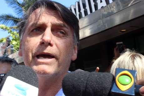 Bolsonaro deu entrevista em um quiosque de praia no Rio de Janeiro