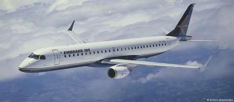 Boeing vai comprar área de aviação civil da brasileira. Bolsonaro sinaliza aval a acordo