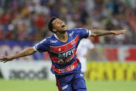 Gustagol comemora gol pelo Fortaleza: voou em 2018 (Foto: Divulgação/Fortaleza)