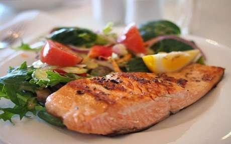 Conheça os benefícios do salmão
