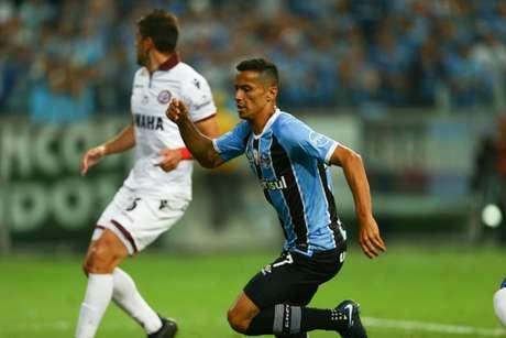 Cícero não vai permanecer no Grêmio na próxima temporada (Fabio Gomes / Raw Image)