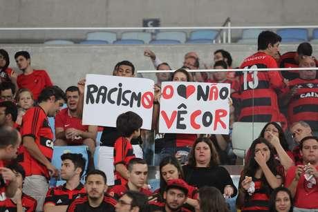 De acordo com levantamento do Observatório da Discriminação Racial no Futebol, o ano de 2018 teve 93 registros de pelo menos uma manifestação de racismo, xenofobia, misoginia, entre outras