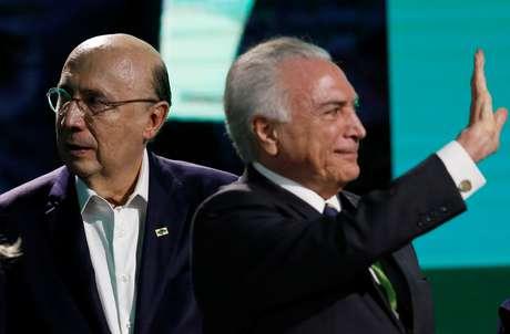 Henrique Meirelles (esquerda) foi ministro da Fazenda no governo Temer, deixando o cargo em abril de 2018 para disputar as eleições