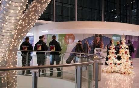 Aeroportos na Alemanha entram em alerta contra terrorismo