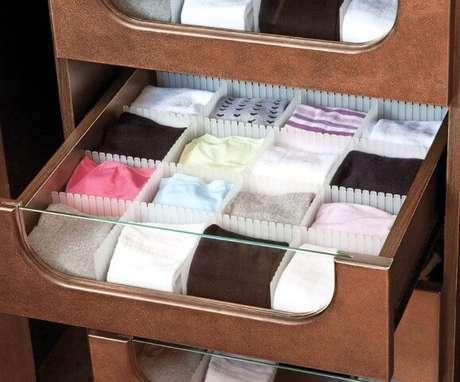 14. As divisórias de gaveta podem ser úteis em vários cômodos da casa, não só no quarto. Foto de Virtual Gift