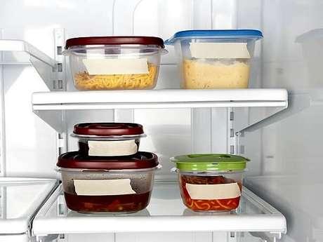 40. Guardar as comidas nos potes é parte de saber como organizar a cozinha. Foto de Alvitek Lar
