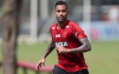 Em baixa no Flamengo, Rômulo pode se reposicionar no mercado brasileiro (Foto: Gilvan de Souza / Flamengo)