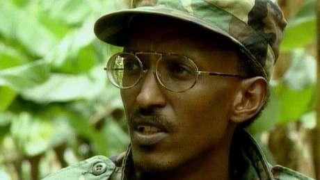 Paul Kagame foi um dos líderes dos rebeldes tutsis e acabou virando presidente de Ruanda em 2000