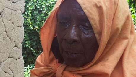 Zura Karuhimbi fingiu ser bruxa para salvar dezenas de pessoas que escondia em casa
