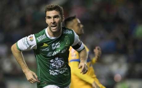 Corinthians quer contratar Mauro Boselli