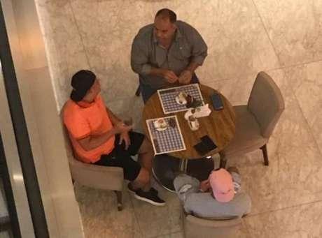 Gabigol e Marcos Braz em encontro no Rio
