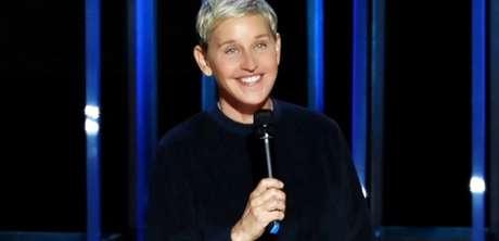 Aos 60 anos, Ellen DeGeneres exibe a nobre capacidade de rir das próprias desgraças