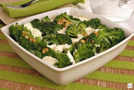 Brócolis ao requeijão