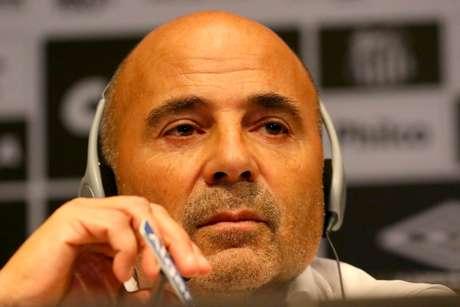 Jorge Sampaoli durante apresentação como novo técnico do Santos