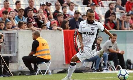 Ceará anuncia contratação em definitivo de Samuel Xavier.