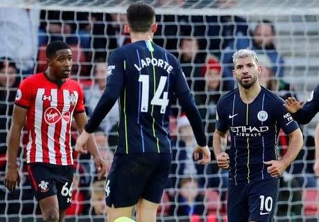 Sergio Agüero comemora gol do Manchester City contra o Southampton