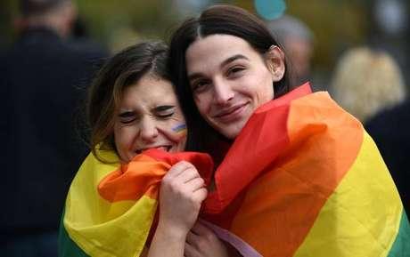 Cidade italiana nega registrar bebês de mães lésbicas
