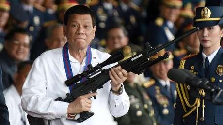 Duterte tem sido um crítico feroz da Igreja Católica, que se opõe a sua sangrenta guerra contra as drogas