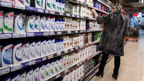 Produtos de uso cotidiano, como xampus, podem conter óleo de palma, cuja produção tem levado a grandes desmatamentos