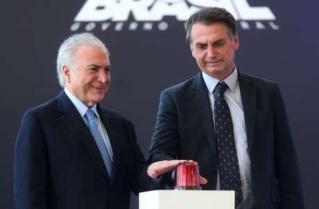 Bolsonaro e Temer durante a cerimônia de batismo e lançamento ao mar do Submarino Riachuelo