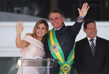 Michelle Bolsonaro  e o presidente Jair Bolsonaro na cerimônia de posse